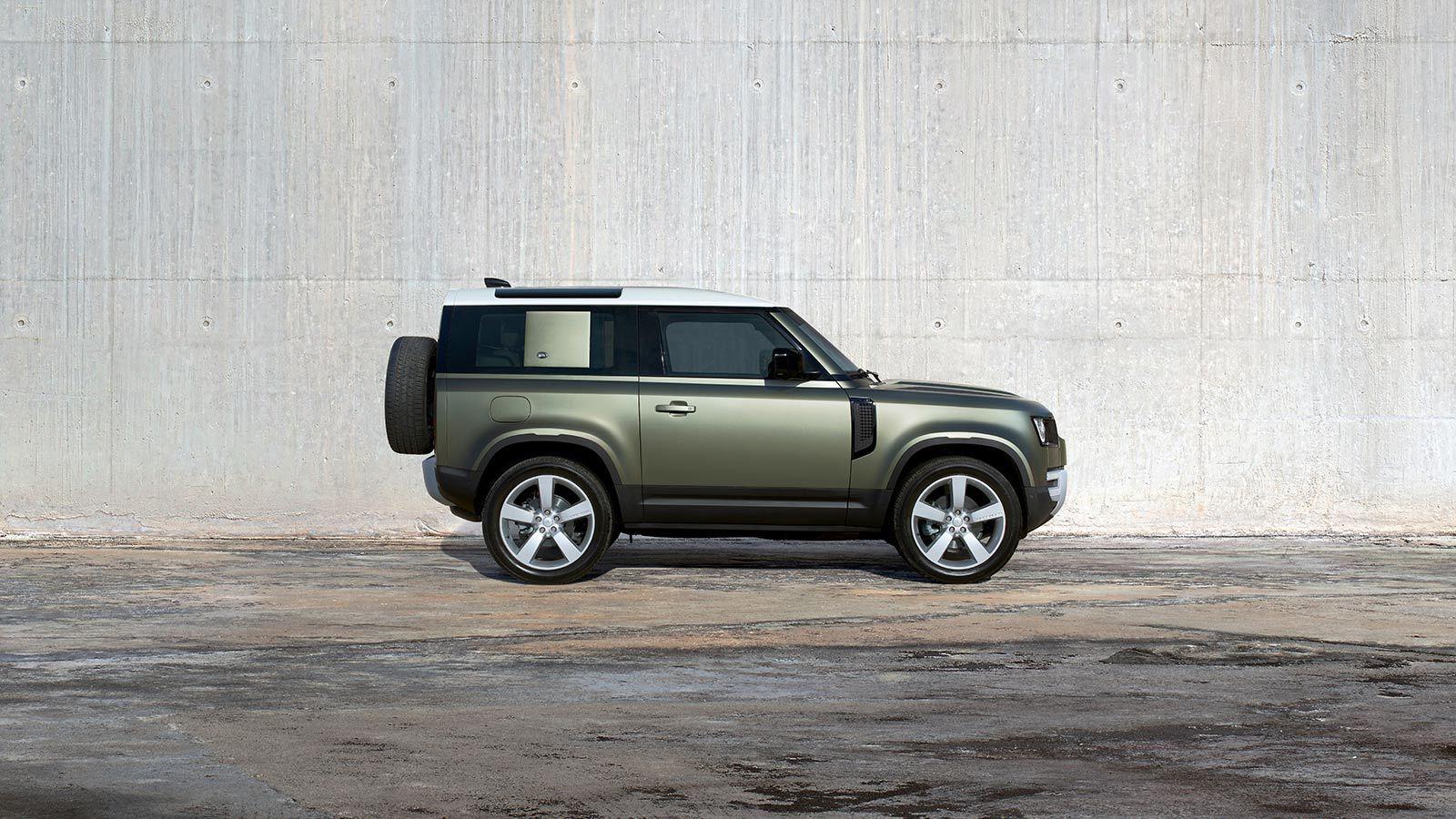 aspecto de Land Rover Defender 2020 precio en México retoma elementos clásicos, pero también luce vanguardista