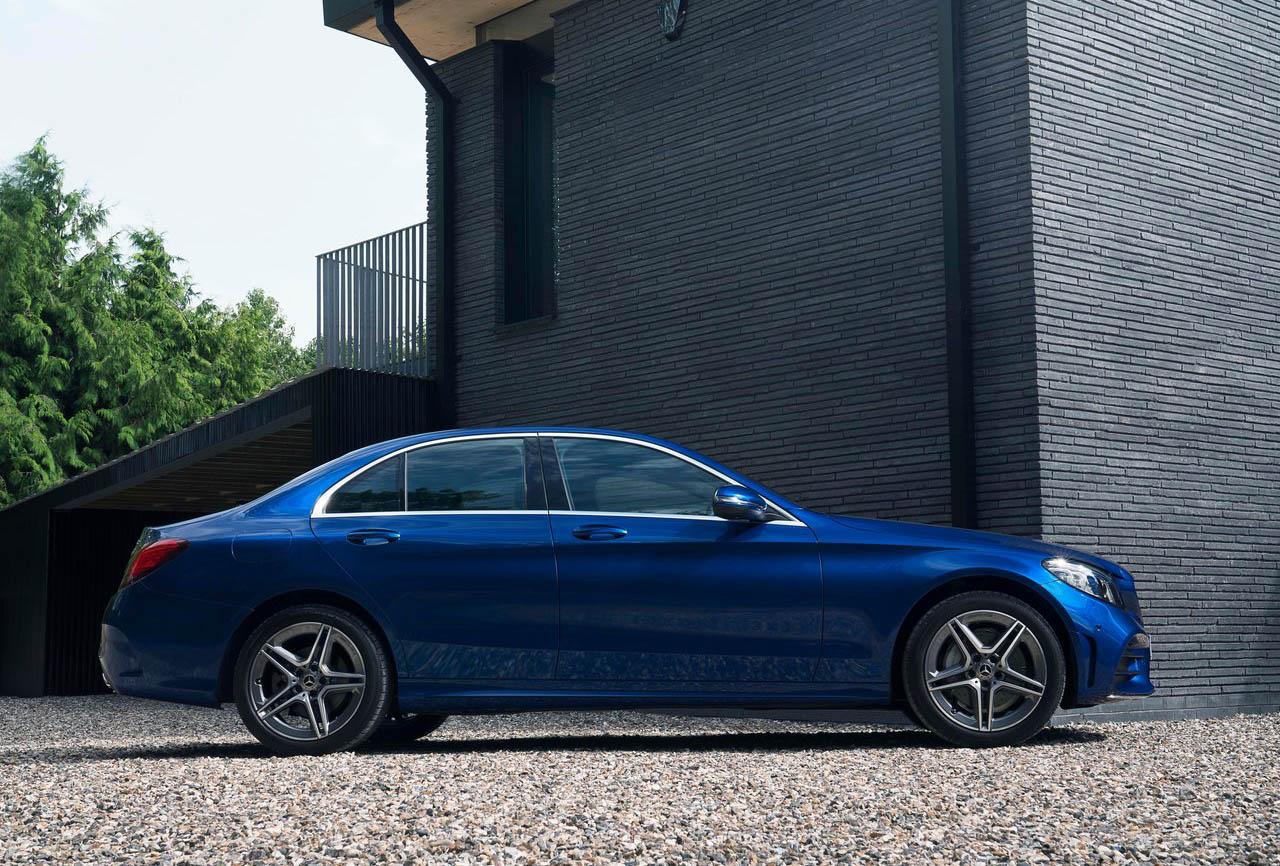 Algunos modelos de Mercedes-Benz Clase C deben ir a revisión