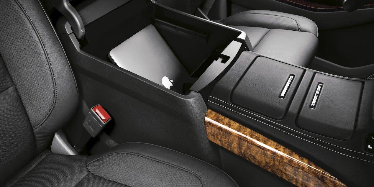 Chevrolet Suburban Premier 2020 Posee espacios suficientes para el almacenamiento de objetos pequeños