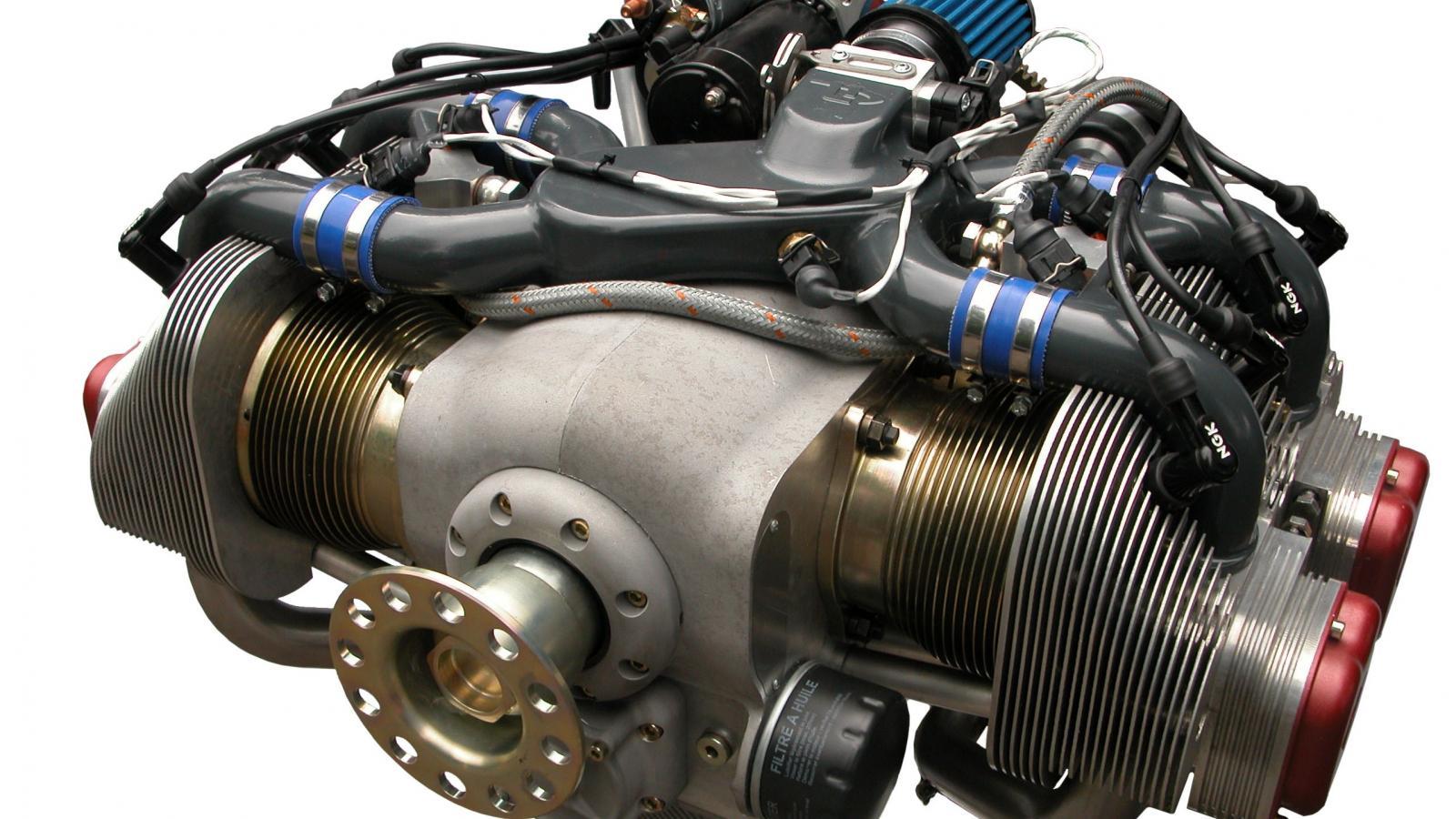 El motor bóxer fue inventado por Karl Benz