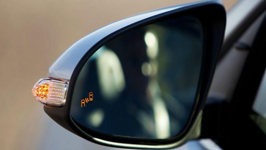 El monitor de punto ciego es parte de los sistemas de seguridad