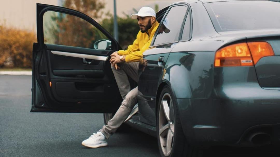 Karim Benzema es un futbolista apasionado de los autos deportivos