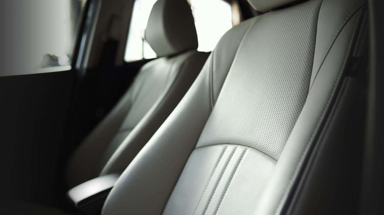 Su cabina parece de una categoría superior Mazda CX-3 i Grand Touring 2020 resena opiniones