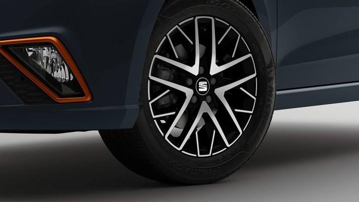 SEAT Ibiza Beats 2020 Cuenta con rines de 16 pulgadas que lucen muy atractivos por su fabricación en aluminio