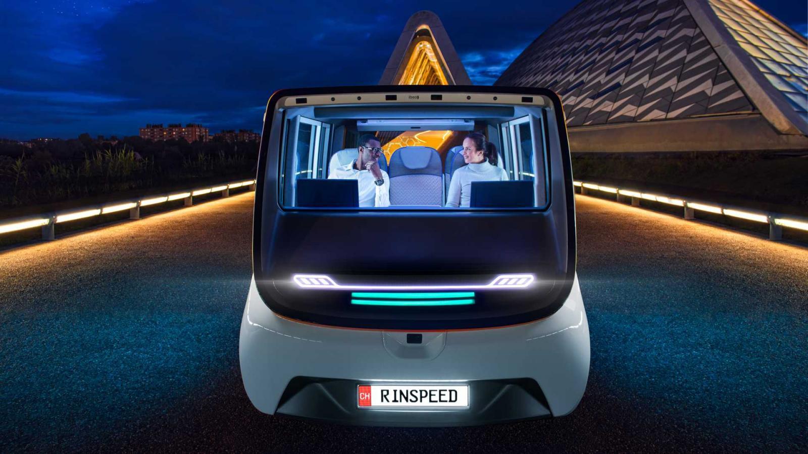 Ofrece una autonomía de 130 kilómetros por carga completa