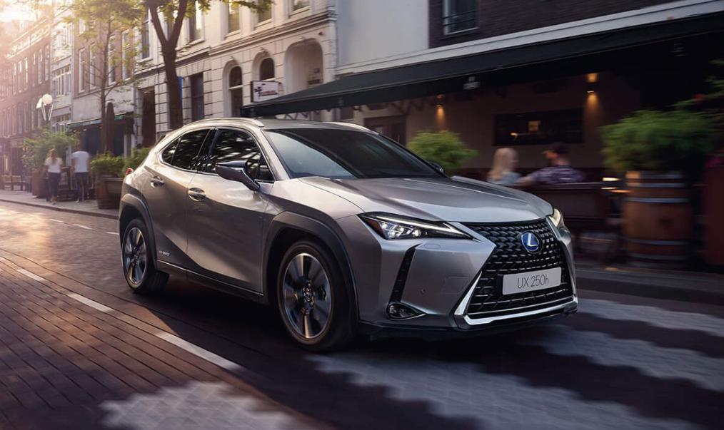 Lexus prepara su llegada a México