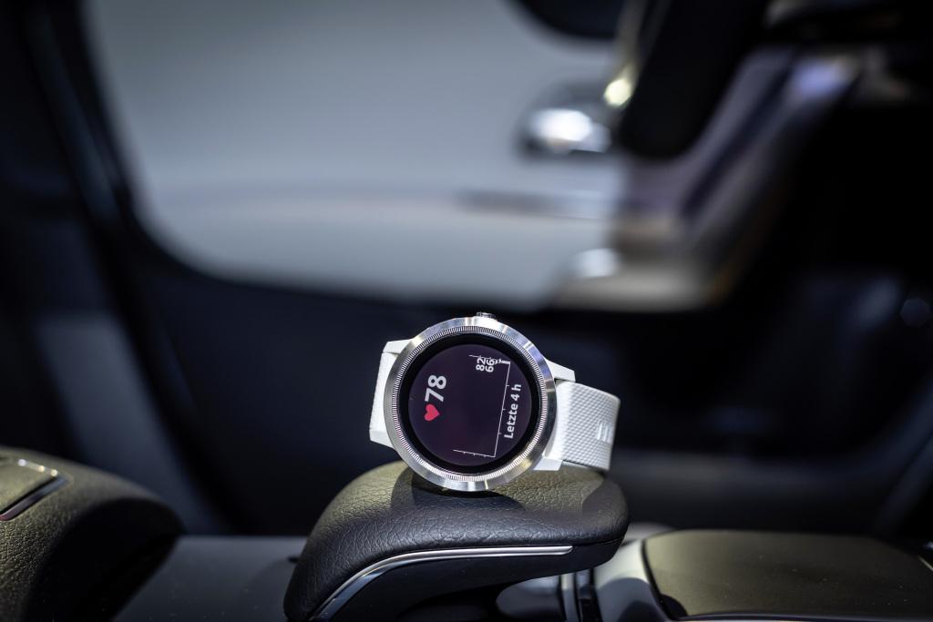 Mercedes-Benz Garmin vivoactive 3