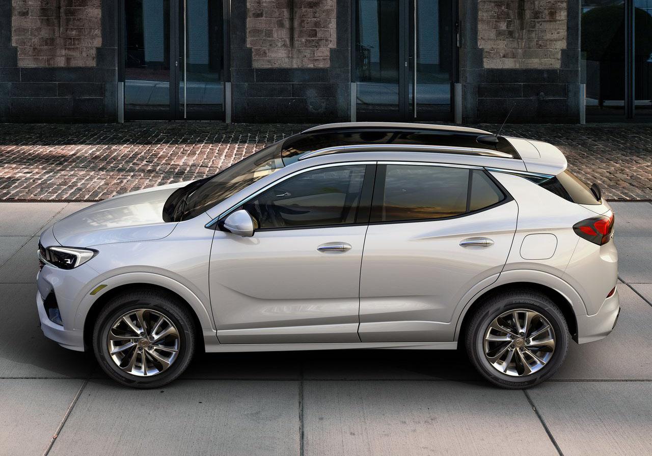 La Buick Encore GX Sport Touring 2020 resena opiniones tiene acentos rojos en la parrilla
