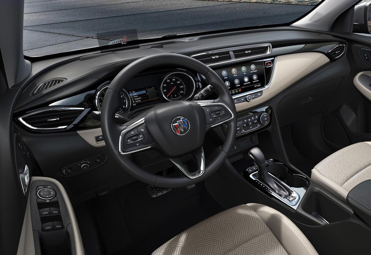 La Buick Encore GX Sport Touring 2020 resena opiniones tiene pantalla al centro del tablero
