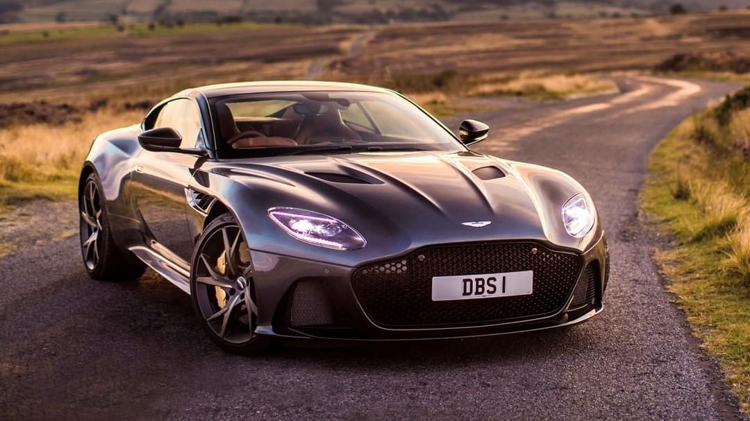 Geely negocia compra de participación de Aston Martin