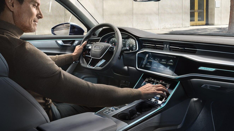 El Audi A6 55 TFSI S line 2020 resena opiniones tiene volante forrado en piel