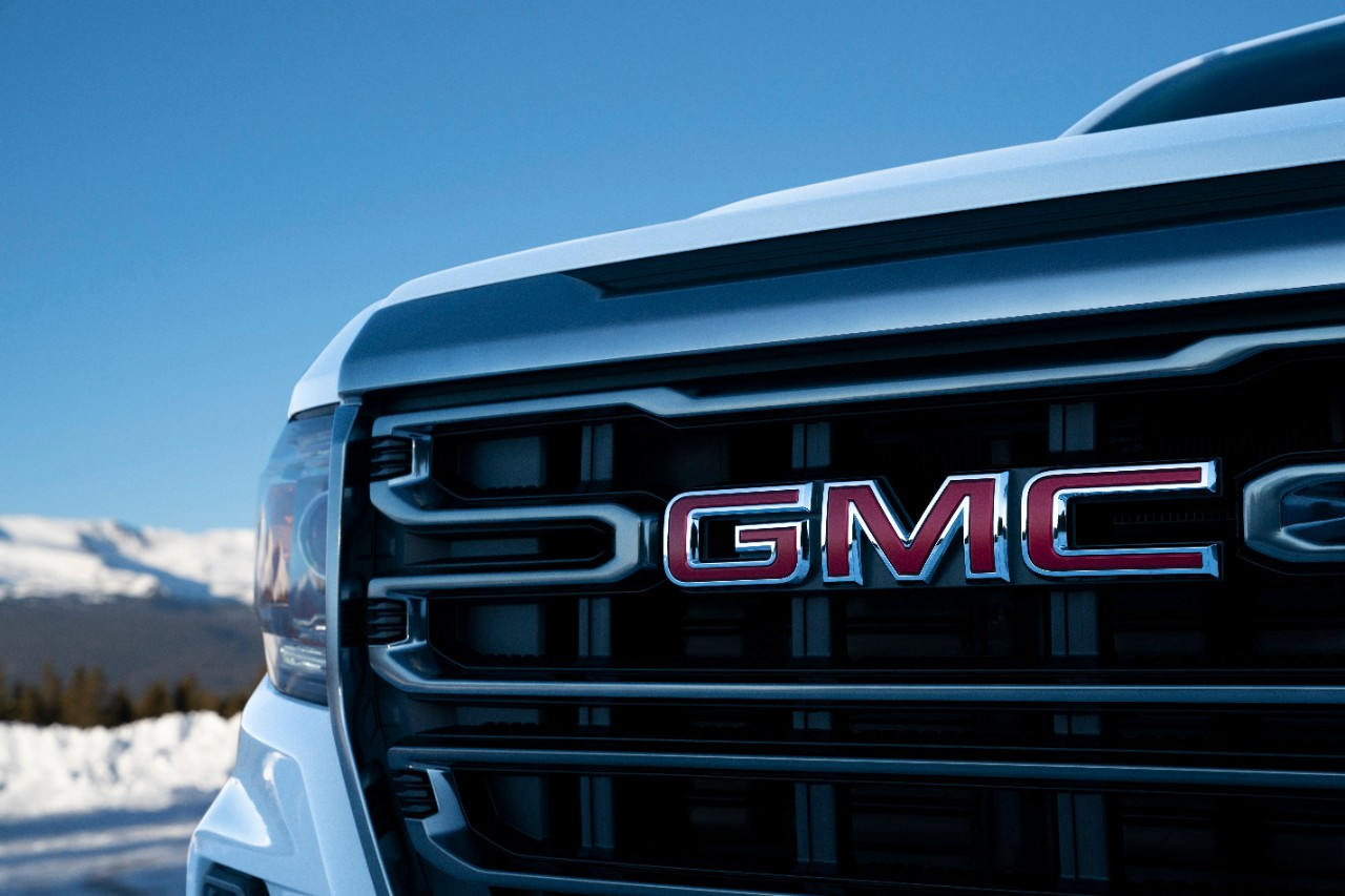 GMC Canyon 2021 parrilla