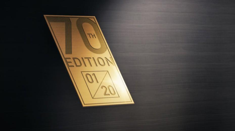 Lleva una placa conmemorativa por los 70 años del modelo