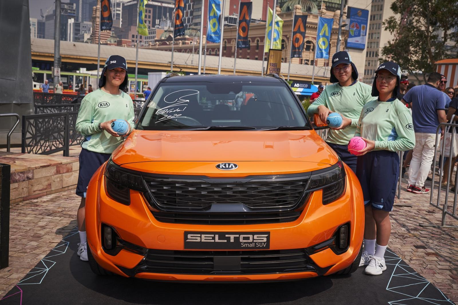 Kia y Rafa Nadal presentan los autos oficiales del Abierto de Australia