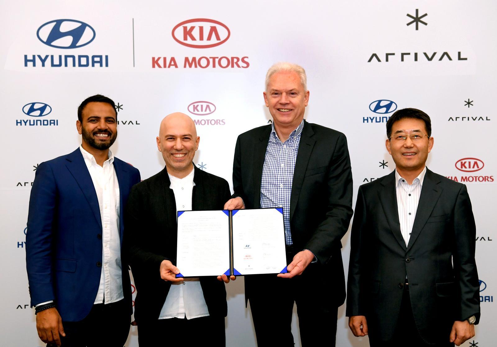 Firma acuerdo Hyundai Arrival