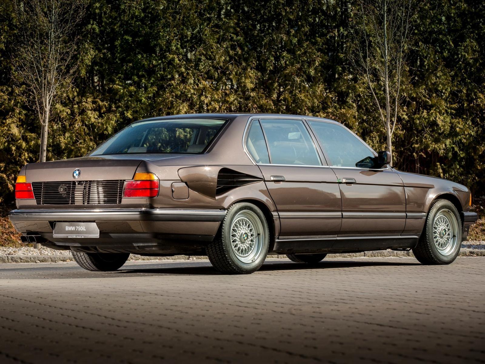 BMW 750i L Goldfisch