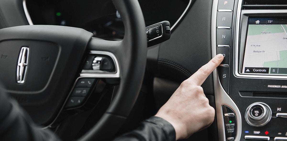 El conductor Lincoln Nautilus Reserve 2020 Reseña tiene todos los controles a su alcance