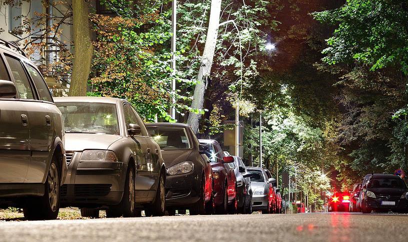 Los ladrones roban más autos estacionados