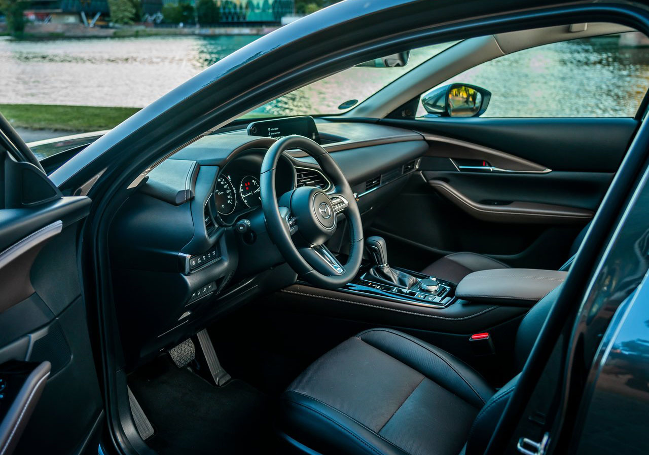 La Mazda CX-30 i Grand Touring 2020 resena opiniones está disponible con asientos de piel
