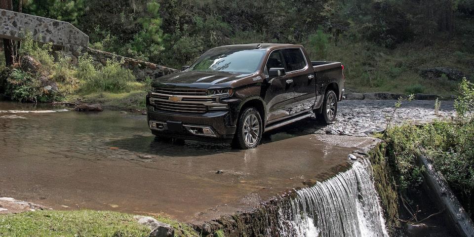 Chevrolet Cheyenne High Country 2020 resena Es una alternativa interesante tanto para la vida laboral como para la experiencia off-road y los viajes familiares