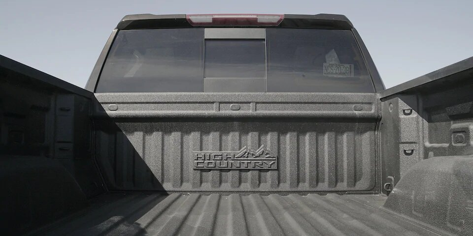 Chevrolet Cheyenne High Country 2020 resena Presume una capacidad de carga de 953 kilogramos
