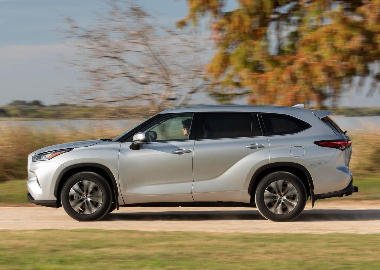 La Toyota Highlander 2020 tiene asistencias a la conducción