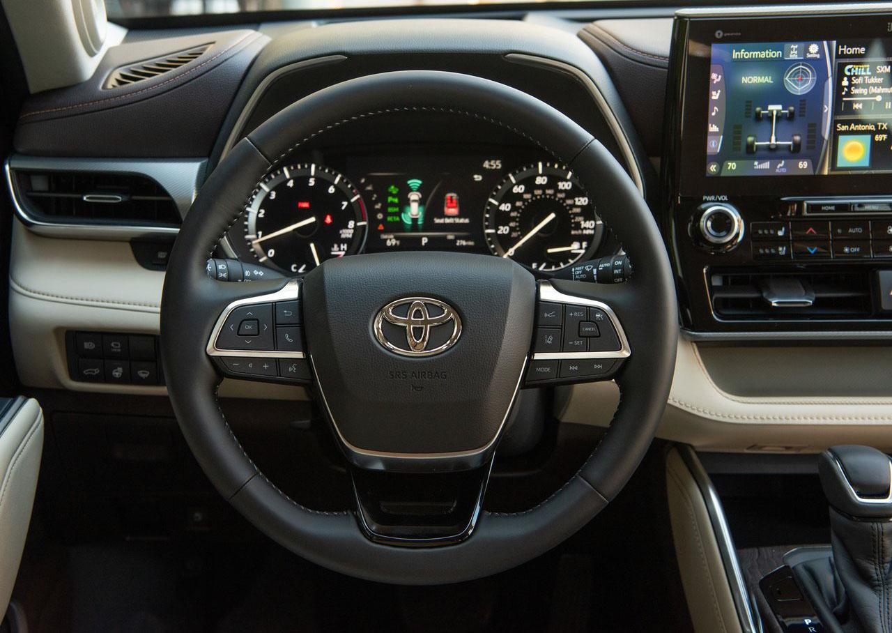 La Toyota Highlander 2020 tiene volante multifunción