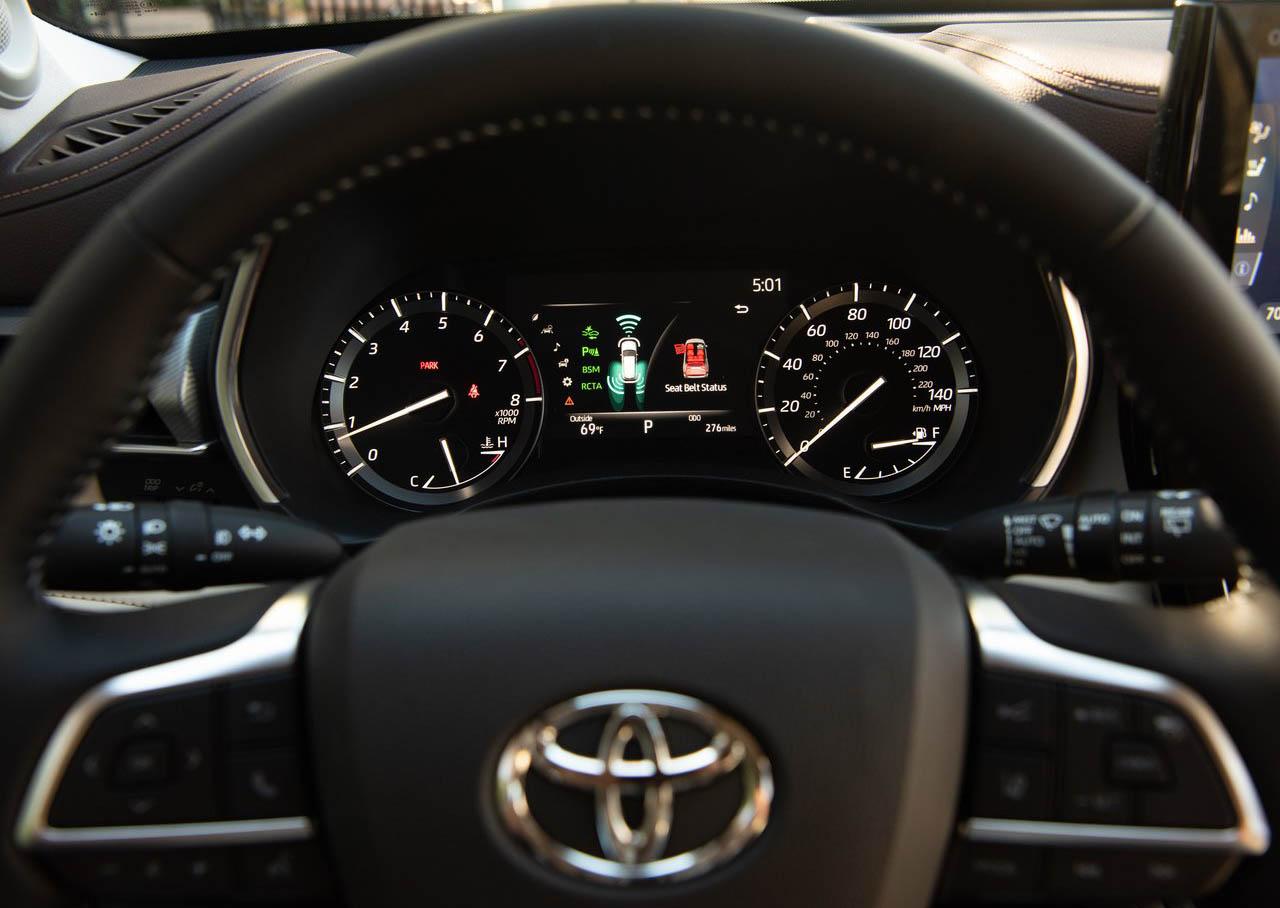 La Toyota Highlander 2020 tiene pantalla multi-información