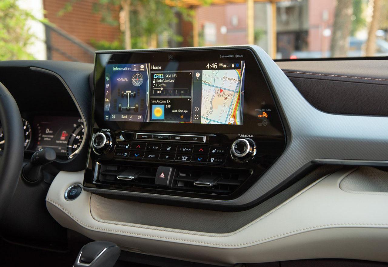 La Toyota Highlander 2020 tiene volante con calefacción
