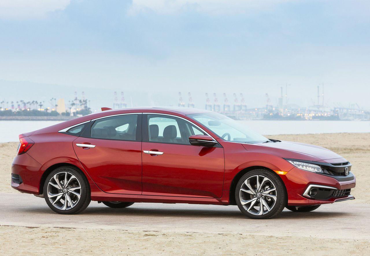 Los sedanes compactos como el Honda Civic mantienen su lugar en el mercado