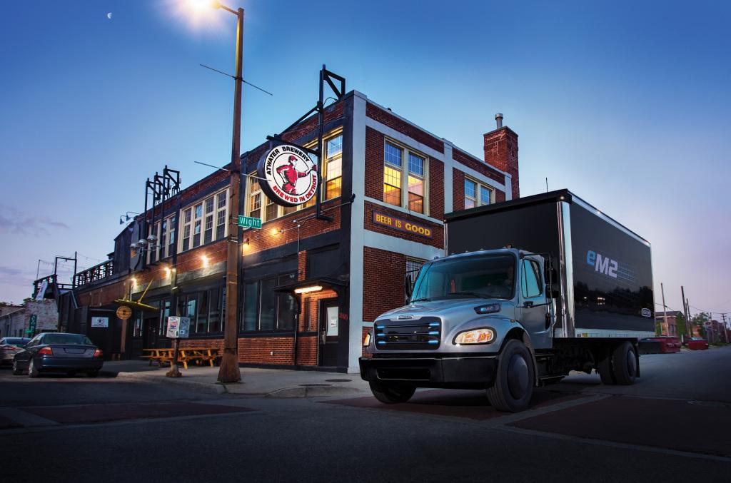 Daimler trabaja para resolver el problema de recarga de camiones eléctricos