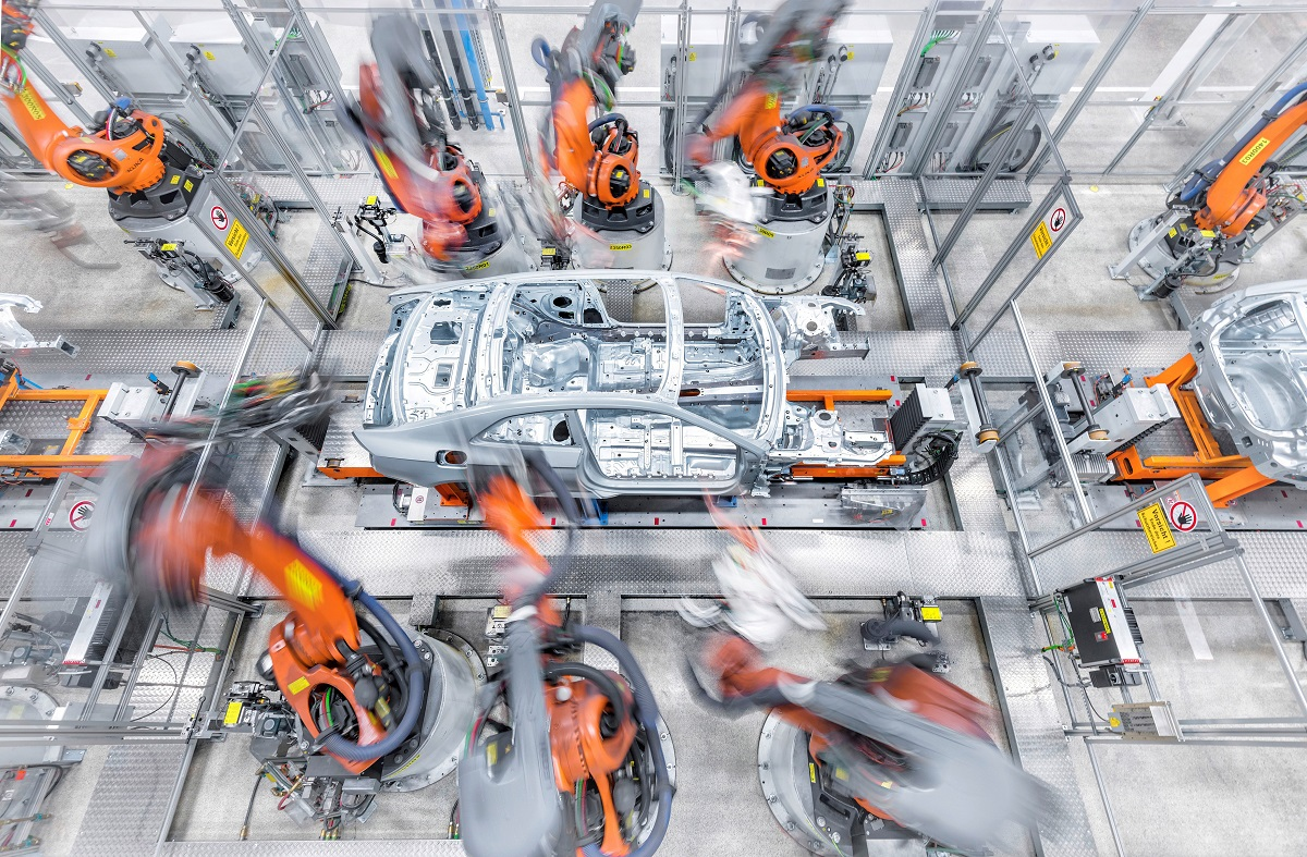 Audi robots ensamblaje