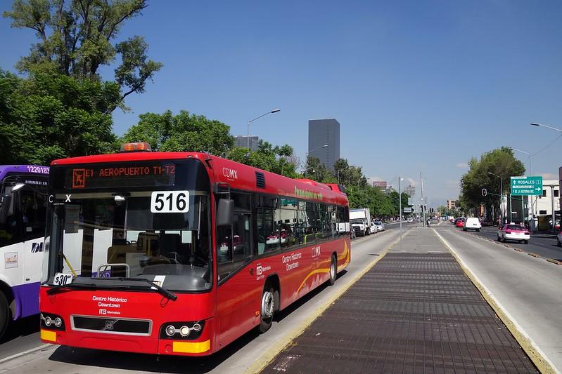 ¿Cuánto tiempo pasan los mexicanos en el transporte público?
