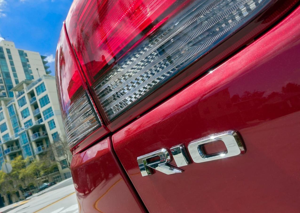 Kia Rio Hatchback EX Pack 2020 resena opiniones