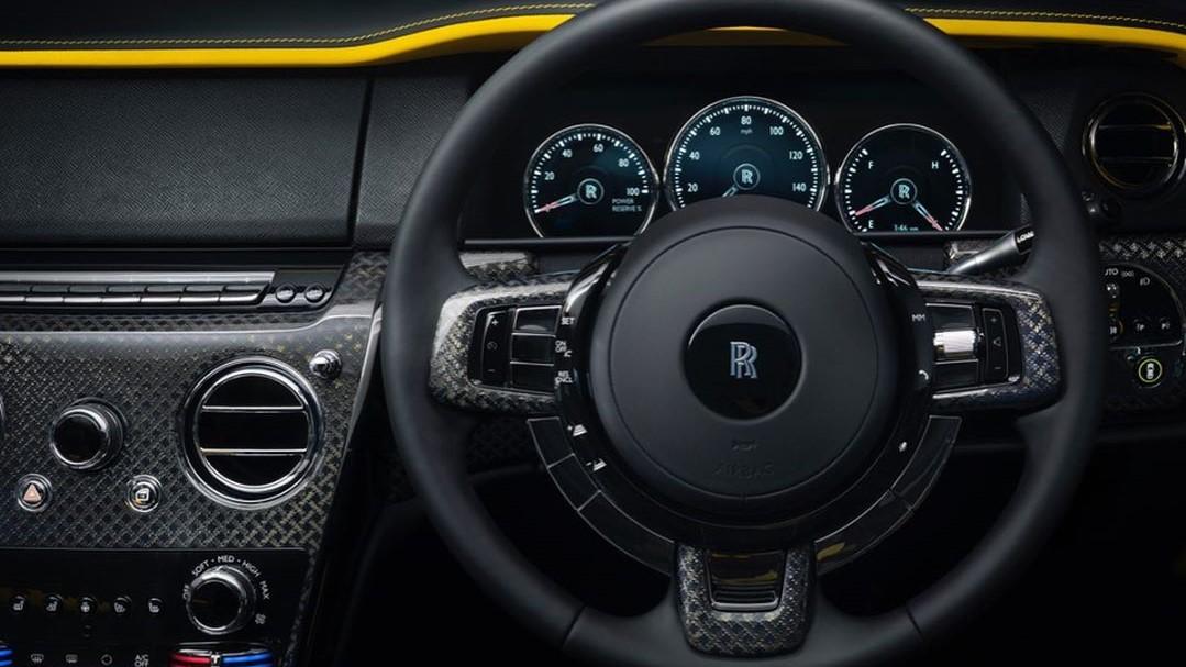 Solo se acepta en Whispers a los dueños de un Rolls-Royce comprado de fábrica, dejando fuera a los usuarios de coches de segunda mano