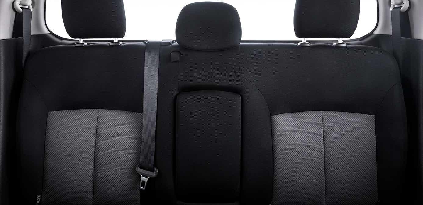 La Mitsubishi L200 GLX Diésel TM 2020 resena opiniones tiene volante con diseño nuevo