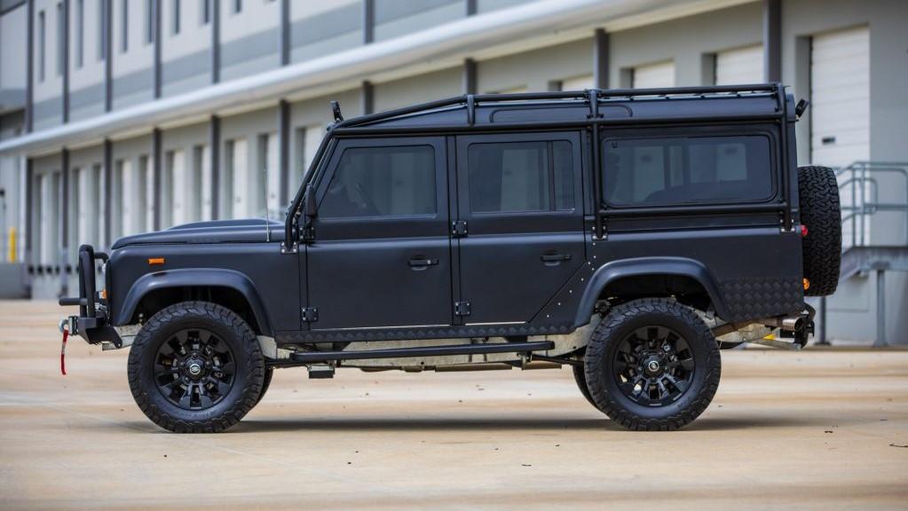 La preparación de la Land Rover Defender tiene un aspecto todavía más radical y desafiante