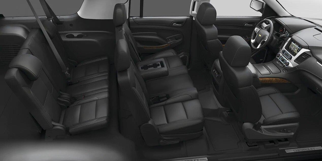 Chevrolet Tahoe Premier 2020 resena opiniones Ofrece espacio suficiente en las primeras 2 líneas, pero en la tercera se ve comprometido el confort