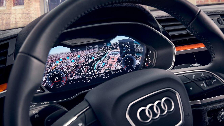 La Audi Q3 S Line tiene buen equipamiento