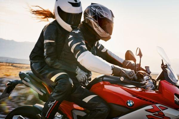 BMW presenta el XRide, su nuevo traje para motociclistas
