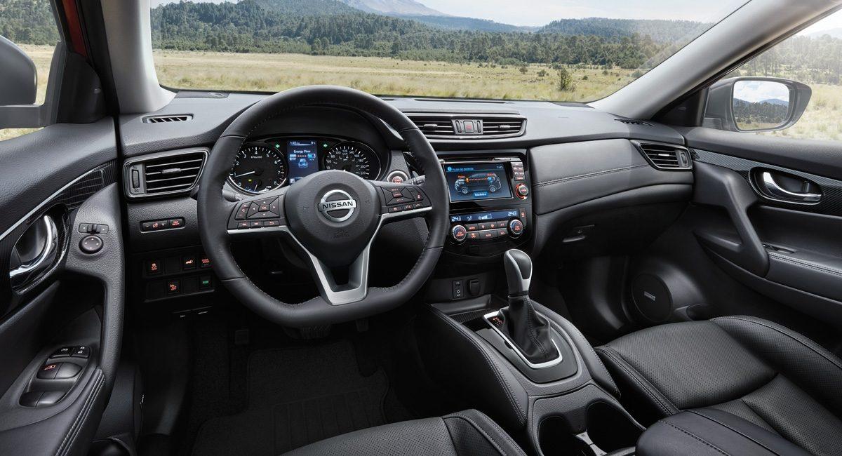 La representante de Nissan va bien equipada en el apartado tecnológico