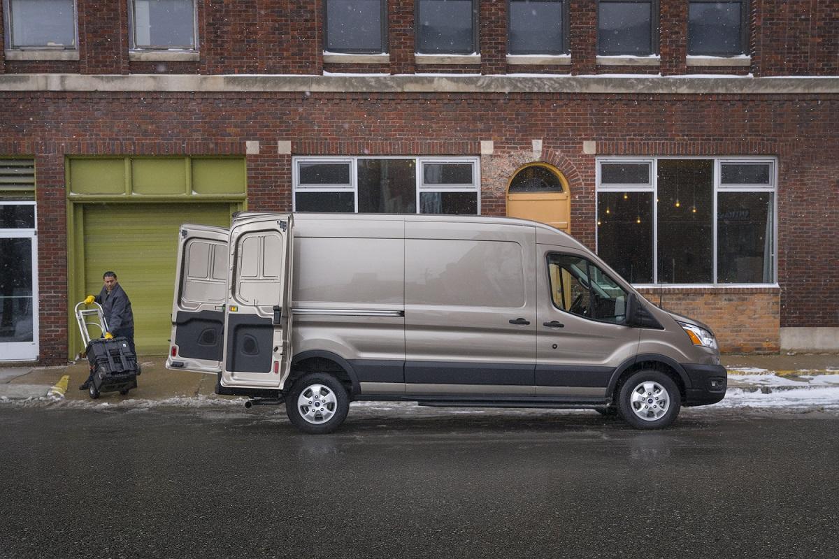 Ford ya trabaja en la Transit eléctrica
