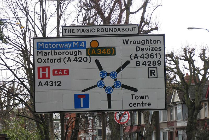 Video: ¿Qué es la glorieta mágica de Swindon y por qué evita los accidentes?