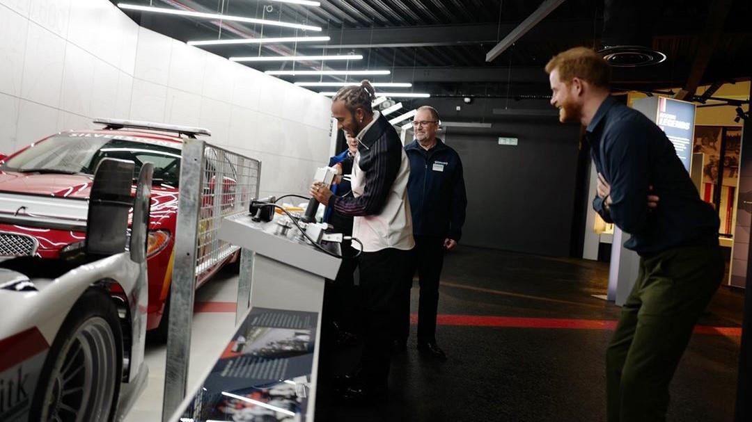 El príncipe Harry y Lewis Hamilton acapararon los focos