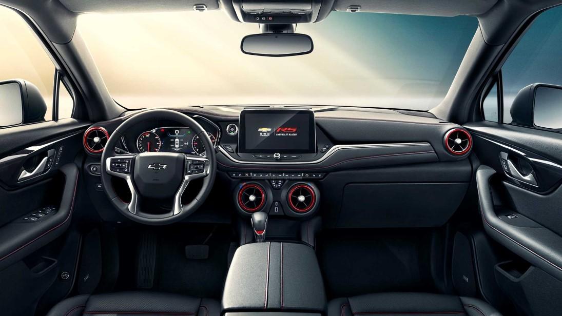 El tablero de la Chevrolet Blazer de 7 pasajeros está inspirado en el del Chevrolet Camaro