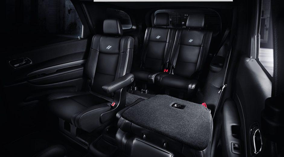 La cabina Dodge Durango R/T 2020 resena opiniones tiene un diseño ergonómico y funcional