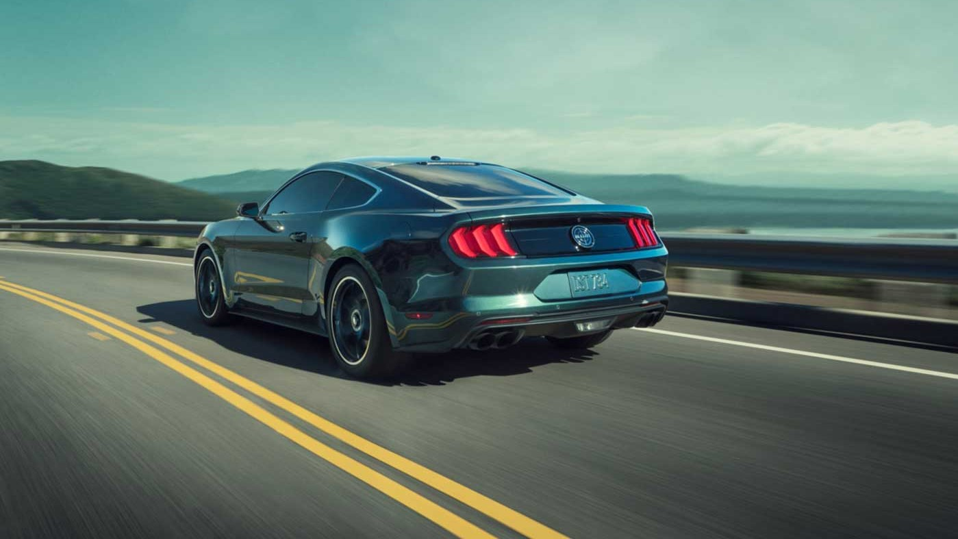 Ford Mustang Bullitt 2020 Lleva un sistema de escape con terminación Black Nitro Plate, el cual ratifica su fiereza para la conducción deportiva