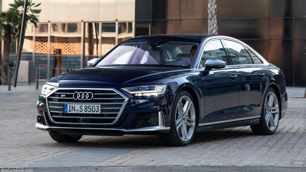 Audi S8 TFSI 2020 resena opiniones Al frente destaca su defensa con tomas de aire más grandes si se compara con el A8
