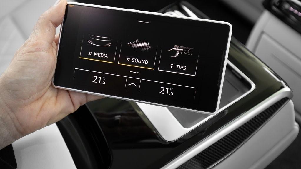 El entretenimiento y la conectividad Audi S8 TFSI 2020 resena opiniones están cubiertos con su sistema de infotenimiento
