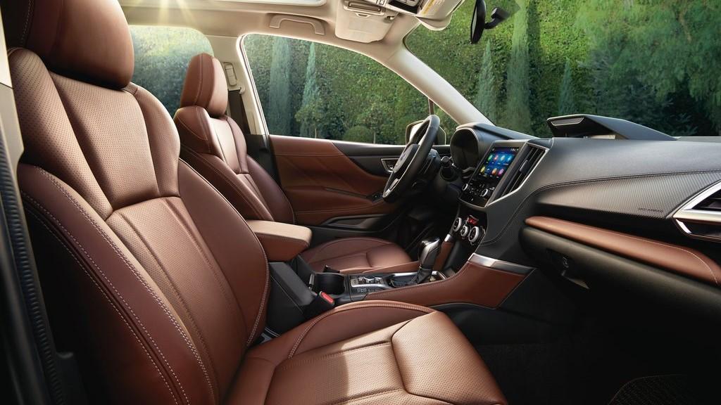 La tapicería de los asientos Subaru Forester Touring 2020 resena opiniones es de primera calidad